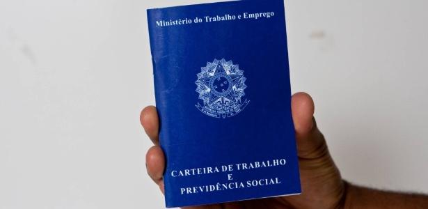 carteira-de-trabalho-previdencia-social-ctps-pis-pasep-abono-ministerio-trabalho-1466031263722_615x300